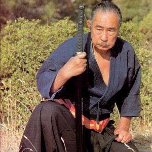 """Ho dimenticato il nome del mio maestro; ma ricorderò sempre che una volta mi disse: """"Quando avevo 13 anni partecipai alla famosa battaglia di Ueno. Guardati! Hai dodici anni, vero? Che cosa ti aspetti, debole come sei, di essere abile di maneggiare la tua spada l'anno prossimo?..."""