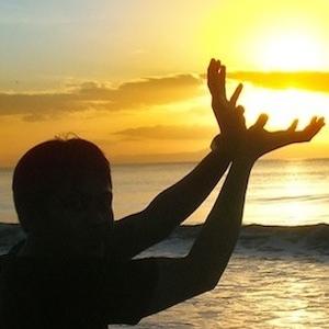 """...""""Il Training  si """"ispira"""" alle discipline orientale come per esempio lo """" yoga"""", senza essere una disciplina orientale. Il Training Autogeno e' di gran aiuto per le persone nervose, che soffrono di angoscia o di qualche tipo di stress, esempio gli studenti, che devono affrontare situazioni di tensione e prima di un'interrogazione o di un esame""""..."""