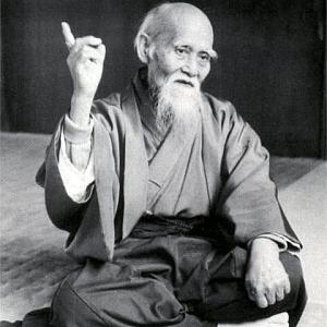 Nato in Giappone nel 1883, è considerato uno dei più grandi budôka che la storia ricordi. Ad Ayabe, infatti, fu innalzata una statua in suo onore, ancora visitata da milioni di praticanti da ogni parte del mondo. La sua vita è stata caratterizzata da particolari eventi...